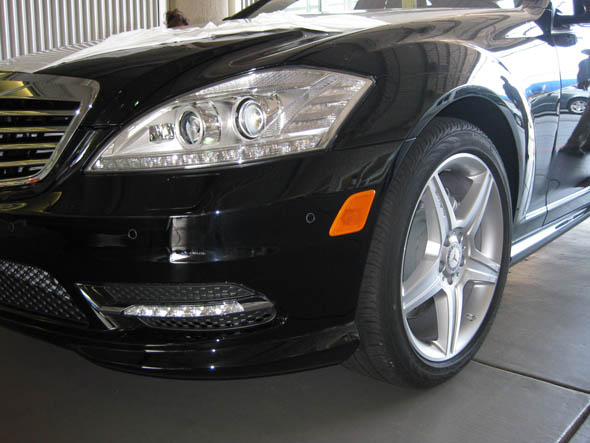 Mercedes 2010 S550 Front Bumper Lights