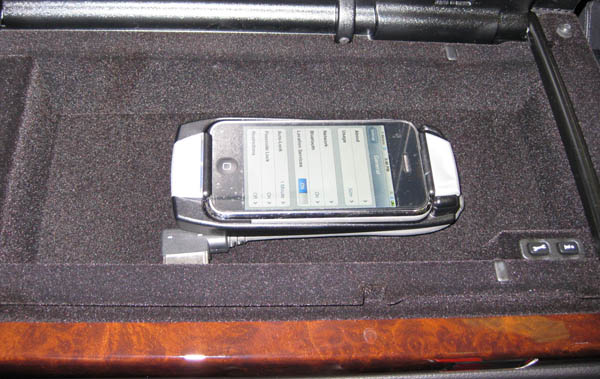 Mercedes-Benz MHI iPhone Cradle S-Class